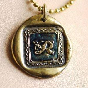 画像1: 1点限定★イニシャルR シーリングワックスネックレス 真鍮 ダークブルー 封蝋ペンダント