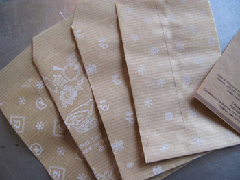 ★STEP1★筋入り茶紙 王冠とネコ柄 ポチ袋 ブライダル雑貨 活版雑貨 封蝋雑貨