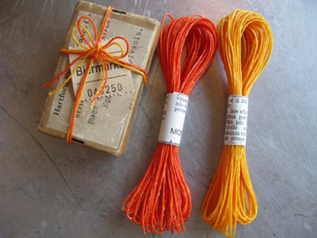 オレンジとイエローのロー引き紐