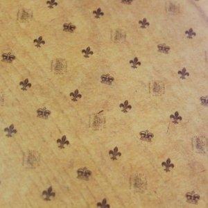 画像2: ★STEP1★ロウ引き包装紙 百合の紋章柄 オイルペーパー